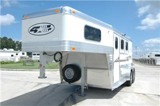 4 Star Trailers - Horse Trailers, Living Quarters, and Livestock Trailers